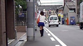 Japanese babe urinating
