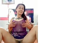 Thaiföldi érett nők játsszák punci műsorát a 2020-as kamera előtt
