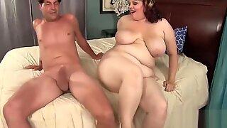 Hot Plumper Buxom Bella Fucks a Big Cock