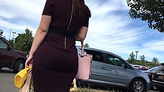 THICK STACKED PAWG IN TIGHT DRESS