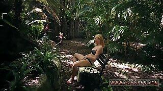 Heldig fyr teenager Raylin Ann er en sexet, superdæmpende askeblondine, der er så skide