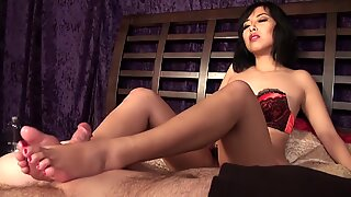 Jadore asian Footjob